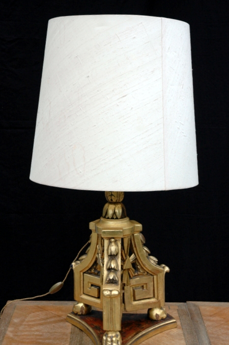 LAMPE A POSER PIED EN BOIS DORE/ TABLE LAMP FOOT IN WOODEN GOLD