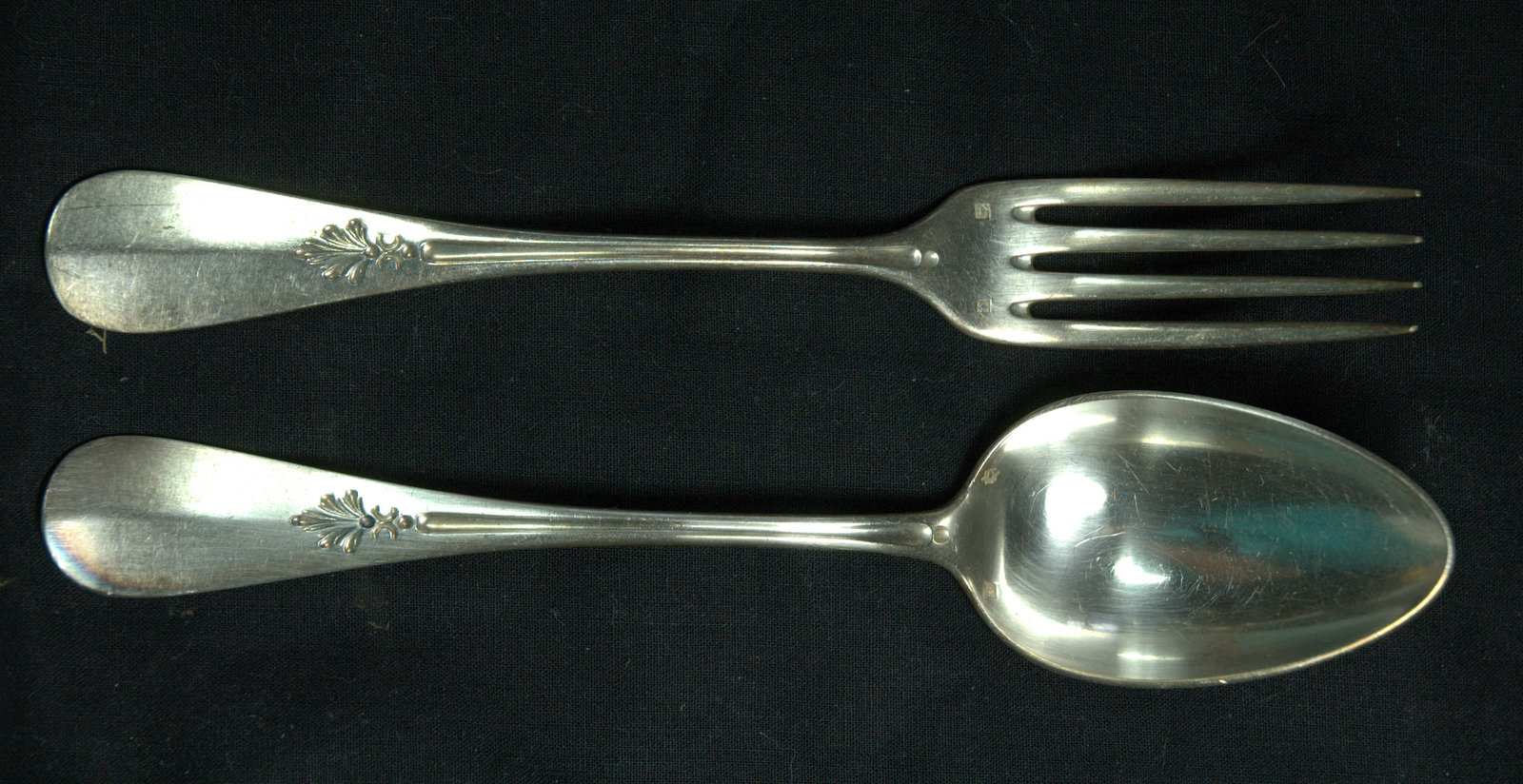 MENAGERE MODELE FLEUR / CUTLERY SILVER PLATED