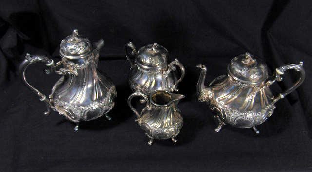 ENSEMBLE THE/CAFE METAL ARGENTE / COFFEE/TEA SET IN SILVER PLATED