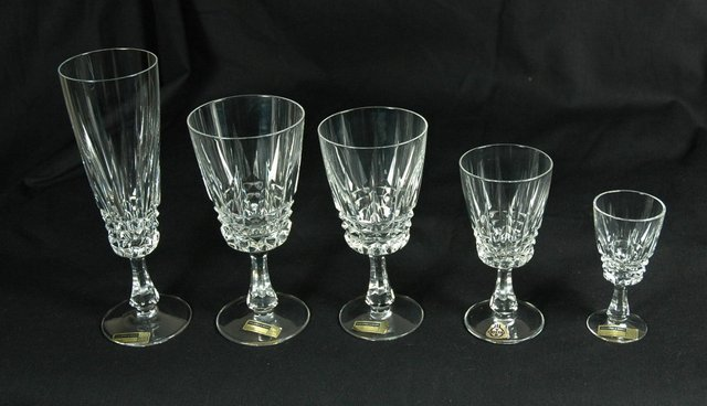 SERVICE DE VERRES CRISTAL TAILLE / SET OF CRYSTAL GLASSES