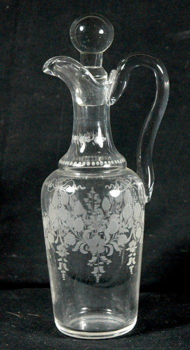 CARAFON EN CRISTAL GRAVE /  CRYSTAL SMALL DECANTER