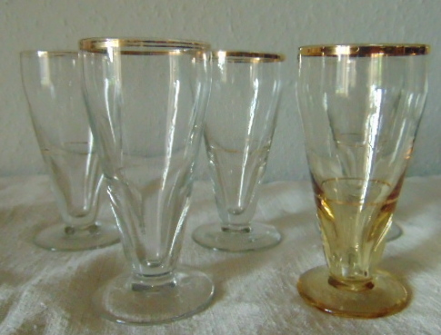 5 ANCIENS VERRES A PASTIS DE CAFE/ 5 ANTIQUE PASTIS COFFEE GLASSES