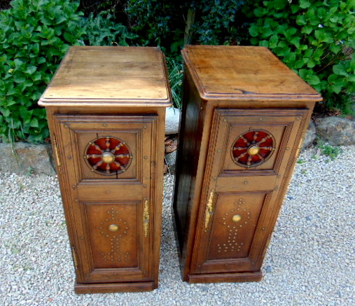 PAIRE DE MEUBLES BRETONS / PAIR OF BRITTANY SMALL FURNITURES