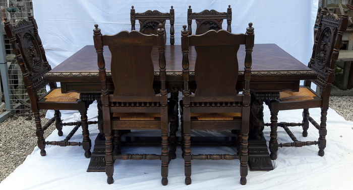 SALLE A MANGER PERSONNAGES BRETONS / BRETONS PERSONS DINING SET