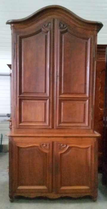PETIT BUFFET 2 CORPS EN CHENE LOUIS XV / SMALL 2 PARTS CUPBOARD LOUIS XV IN OAK