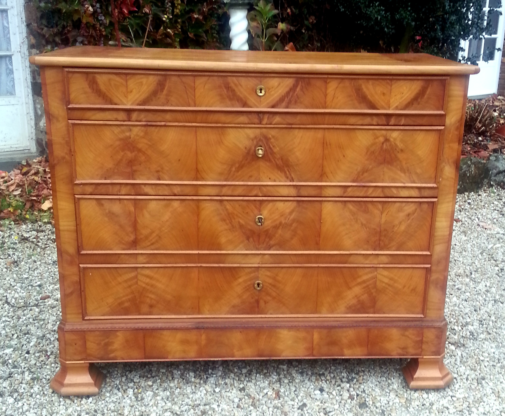 COMMODE STYLE LOUIS PHILIPPE MERISIER/ LOUIS PHILIPPE STYLE CHERRY TREE CHEST OF DRAWERS