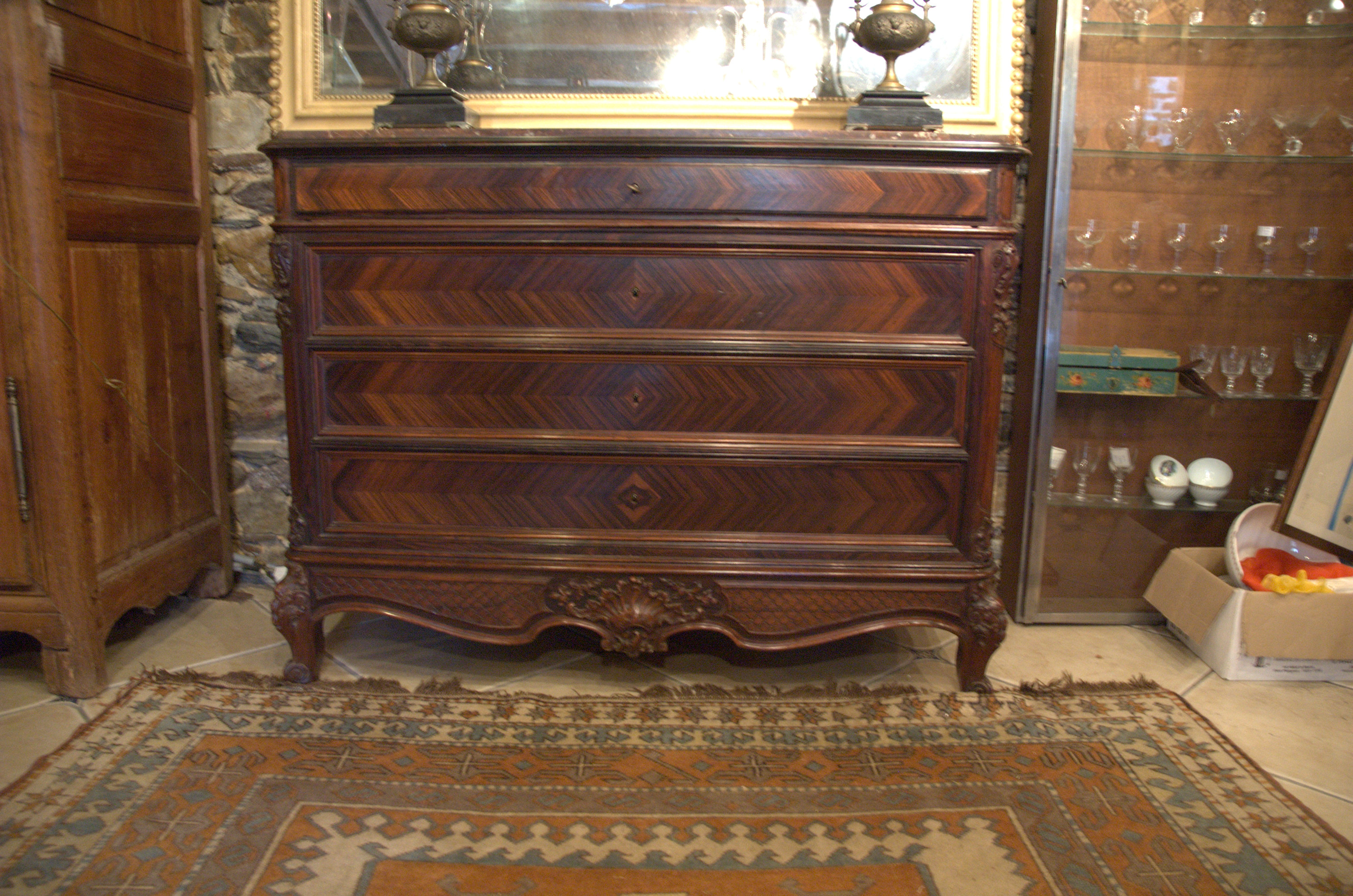 COMMODE ROCAILLE EN ACAJOU