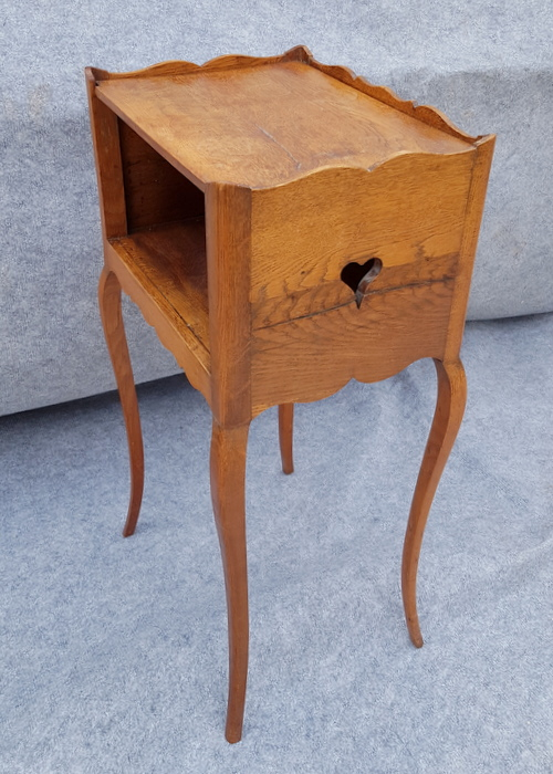 CHEVET COEUR EN CHENE / OAK BEDSIDE WITH HEART