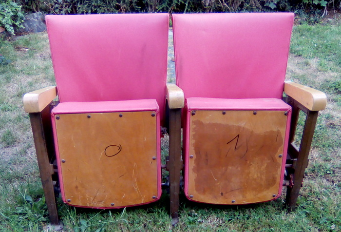 2 SIEGES DE CINEMA ANNEE 50 / 2 CINEMA ARMCHAIRS 50'S