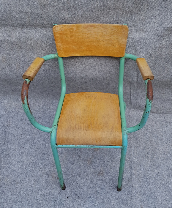FAUTEUIL D'INSTITUTEUR EN TUBE / TUBE INSTRUCTOR'S ARMCHAIR