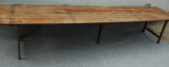 GRANDE TABLE CHAMPETRE PLIANTE / BIG TRESTLE TABLE
