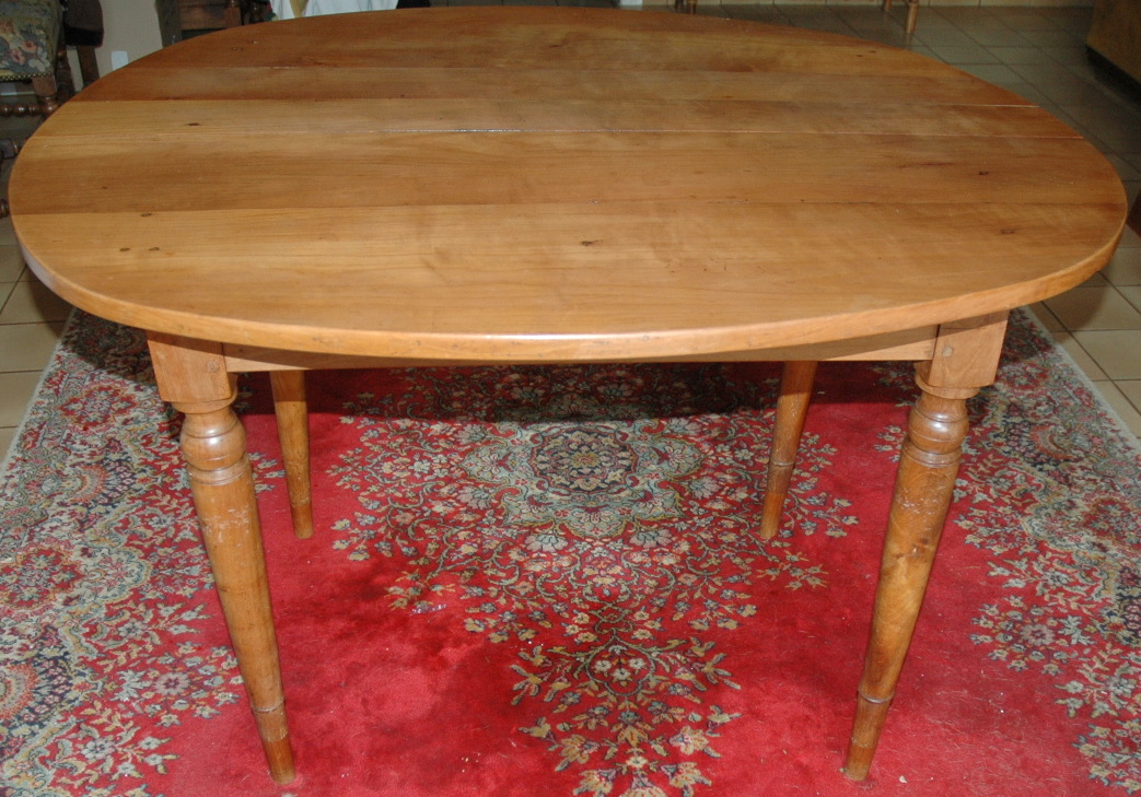 TABLE RONDE A ALLONGES  LOUIS PHILIPPE/ROUND TABLE CHERRYWOOD